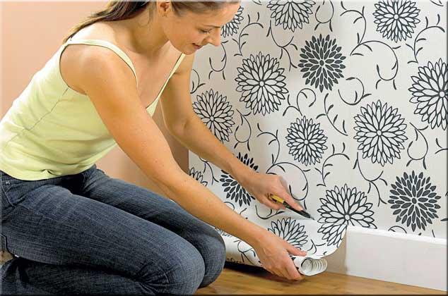 Tips zum renovieren tapezieren heimwerken - Gestrichene wand tapezieren ...